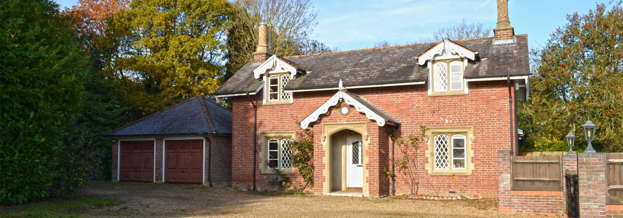Gardner Cottage, Broxbournebury Mews, Broxbourne, Hertfordshire, EN10 7JA