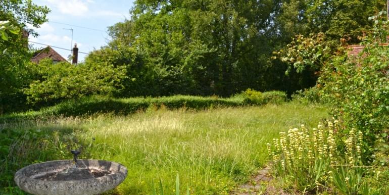 Front Garden 1 of 2_1024x683