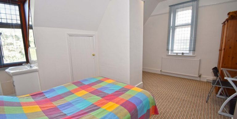 Bedroom Five 1 of 2_1199x800