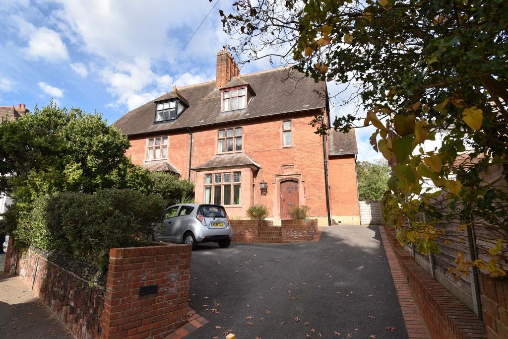 St Catherines Road, Broxbourne, Hertfordshire, EN10 7LG