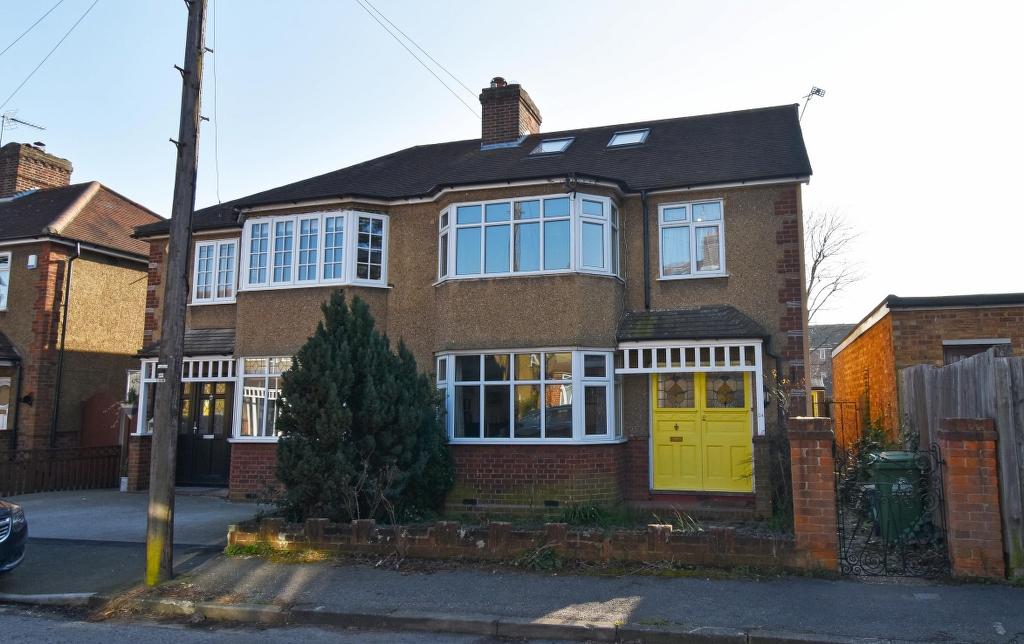 Grosvenor Road, Broxbourne, Hertfordshire, EN10 7JG