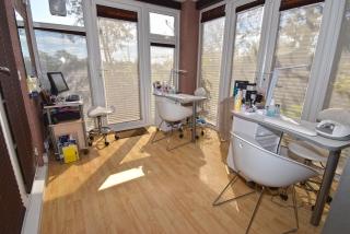 Beauty Room One_320x214