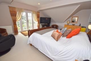 Bedroom One 3 of 3_320x214