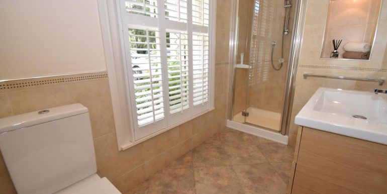 Cloaks-Shower Room_1024x683