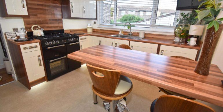 Kitchen-Breakfast Room 2 of 3_1024x683