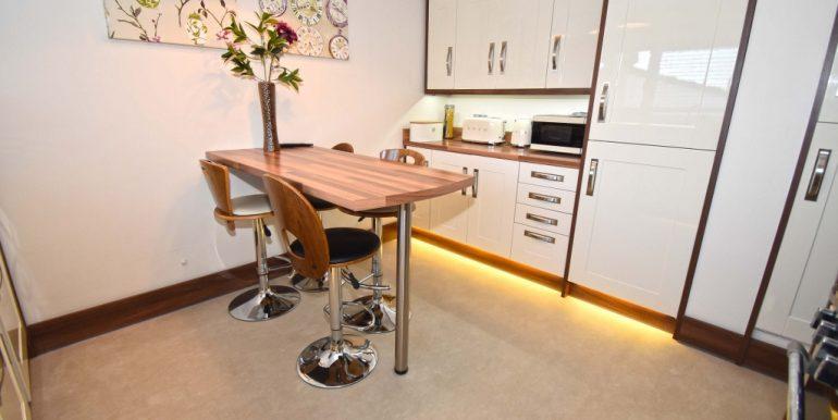 Kitchen-Breakfast Room 3 of 3_1024x683