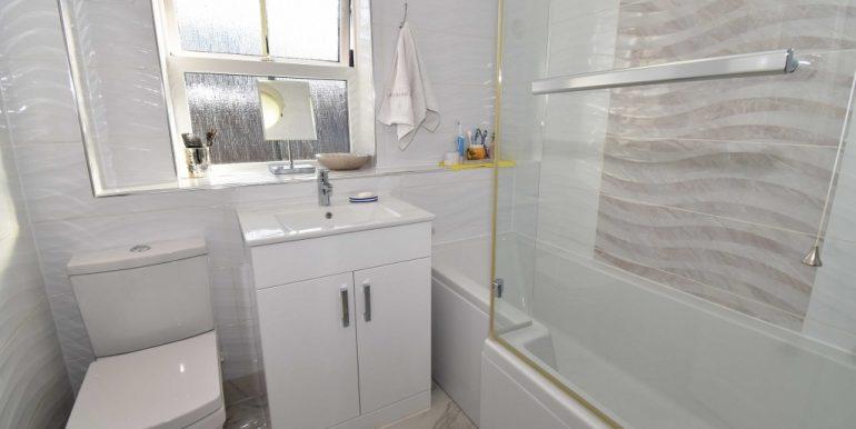 Family Bathroom_1024x662