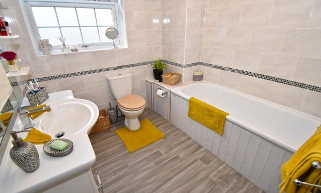 Family Bathroom_640x413