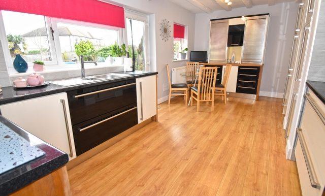 Kitchen-Breakfast Room 3 of 3_640x427