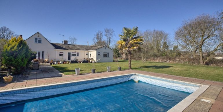 Swimming Pool & Rear Elevation_1024x681