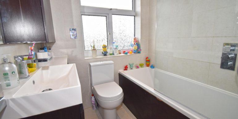 Family Bathroom_1024x671
