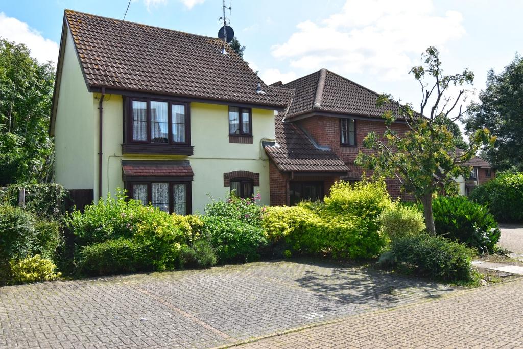 Richmond Court, High Road, Broxbourne, Hertfordshire, EN10 7BN
